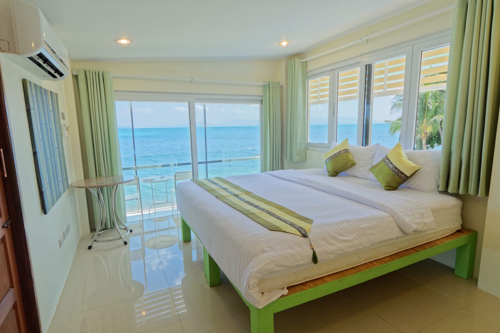 Beachfront rooms Health Oasis Resort