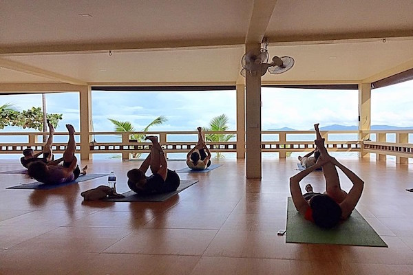 Daily yoga classes health oasis resort detx